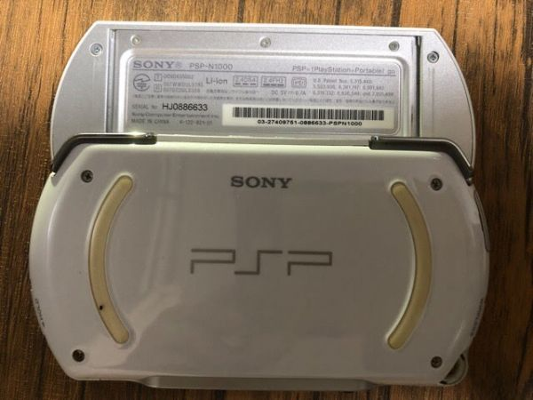 SONY PSP Go 本体 PSP-N1000 ホワイト 動作未確認 ジャンク扱い_画像5