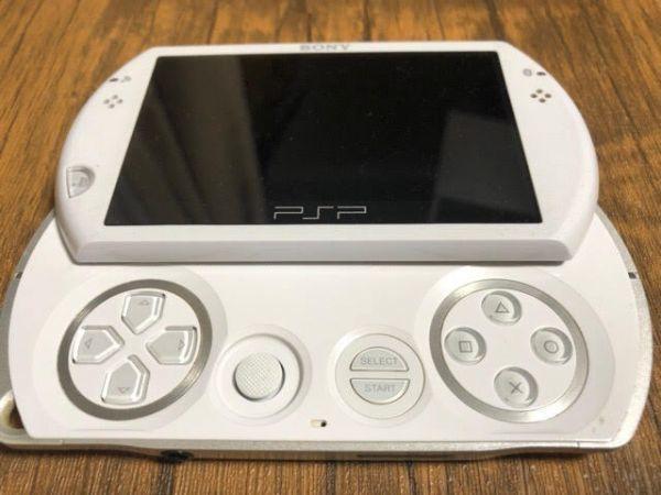 SONY PSP Go 本体 PSP-N1000 ホワイト 動作未確認 ジャンク扱い_画像3