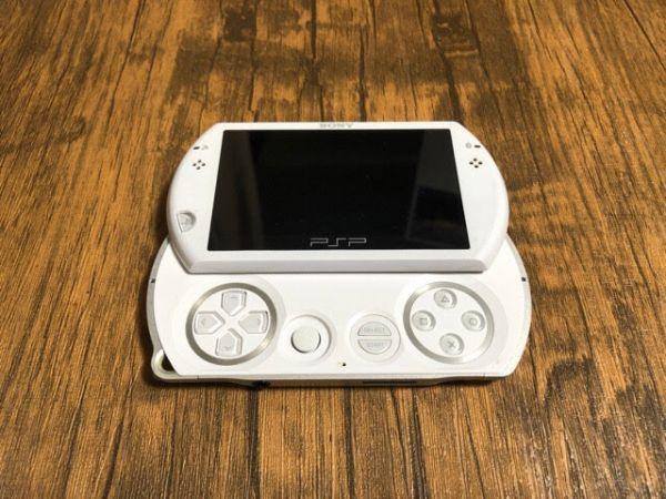 SONY PSP Go 本体 PSP-N1000 ホワイト 動作未確認 ジャンク扱い_画像2