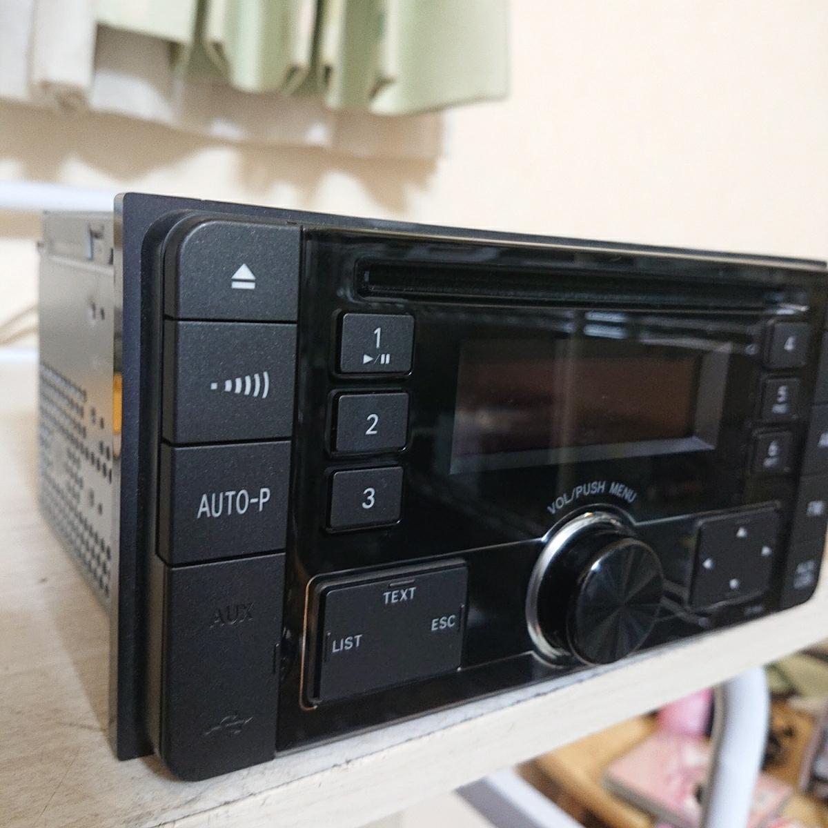 売り切り♪♪♪トヨタ純正 Pioneer CDプレーヤー CP-W64 DEH-8138zt 08600-00M10 USB.AUX♪♪_画像5