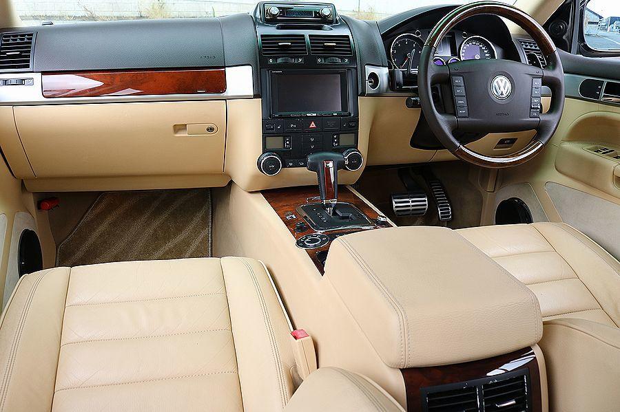【 上級グレード / 実走行7万k 】 2005y VW トゥアレグ V8 CDCエアサス ベージュインテリア カスタムオーディオ_ベージュインテリア
