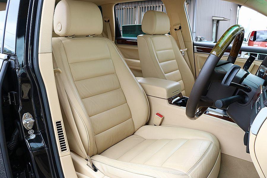 【 上級グレード / 実走行7万k 】 2005y VW トゥアレグ V8 CDCエアサス ベージュインテリア カスタムオーディオ_ベージュ本革シート