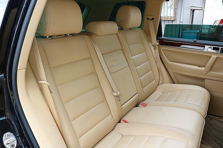 【 上級グレード / 実走行7万k 】 2005y VW トゥアレグ V8 CDCエアサス ベージュインテリア カスタムオーディオ_画像8