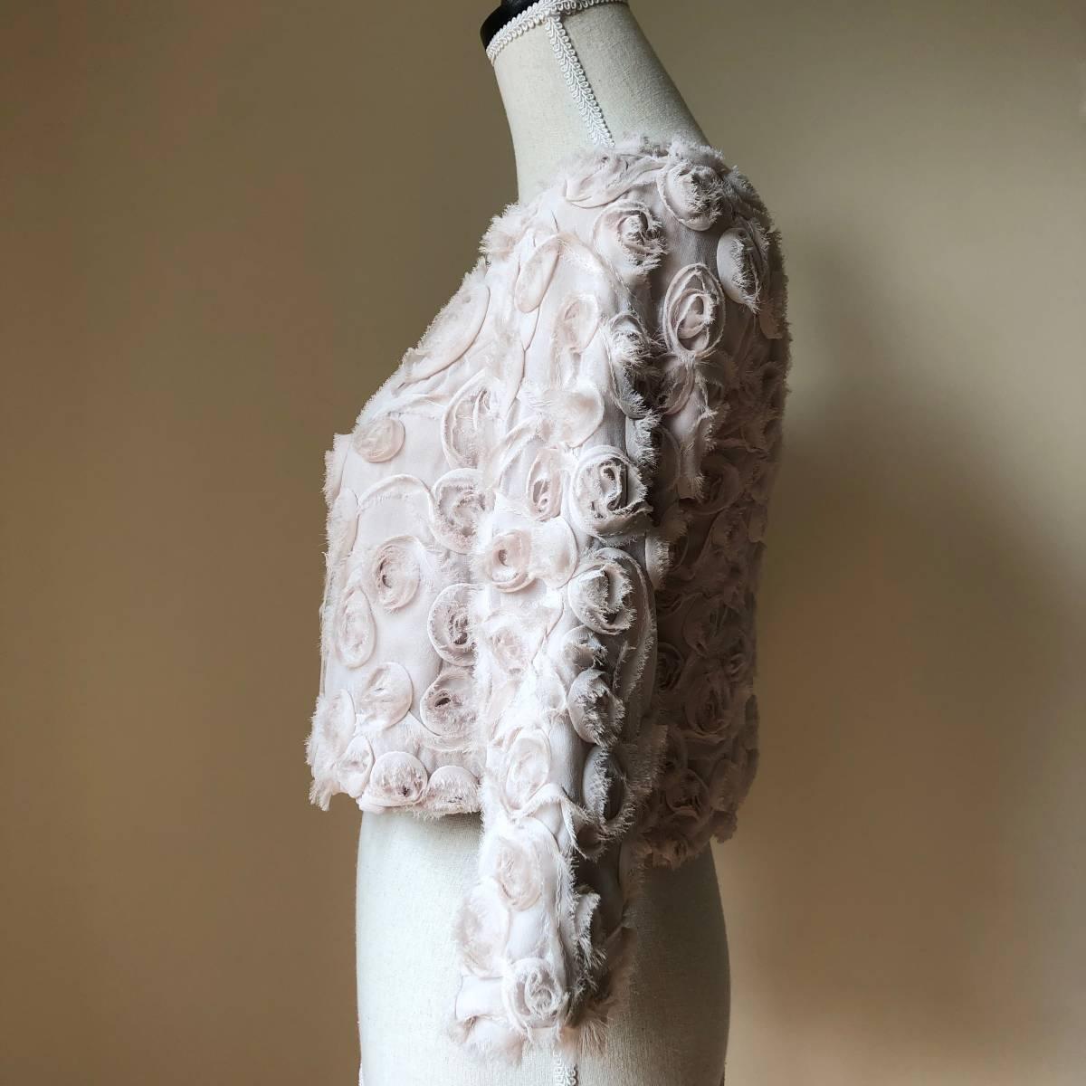 ピンクベージュ ノーカラージャケット ショート丈 S-Mの方に ローズ薔薇いっぱい *上品フェミニンお呼ばれボレロ好き 難ありリメイク素材