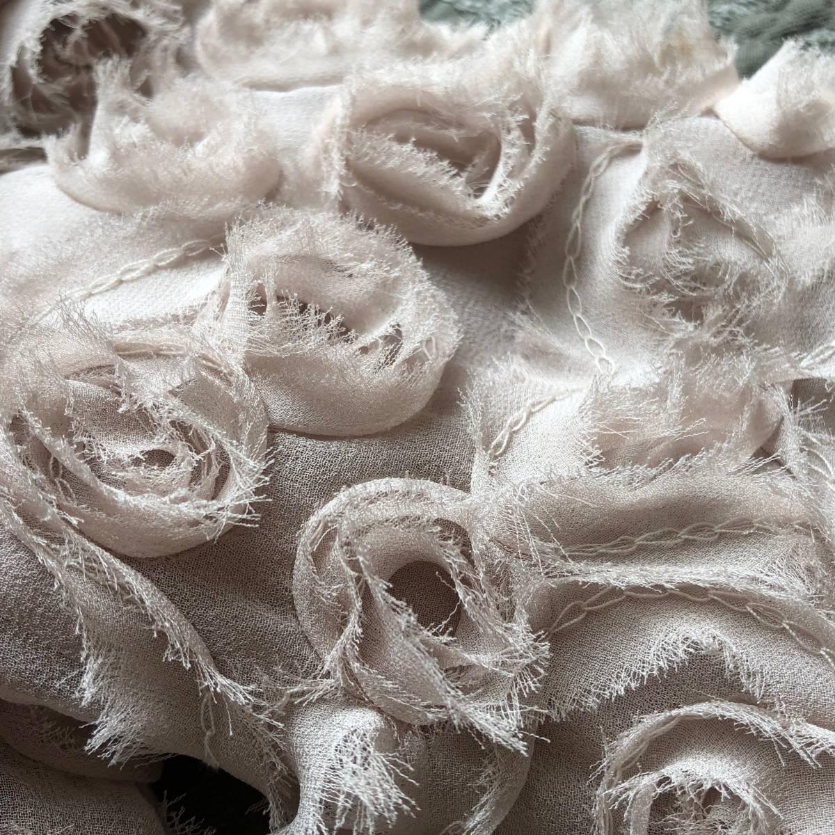 ピンクベージュ ノーカラージャケット ショート丈 S-Mの方に ローズ薔薇いっぱい *上品フェミニンお呼ばれボレロ好き 難ありリメイク素材_画像4
