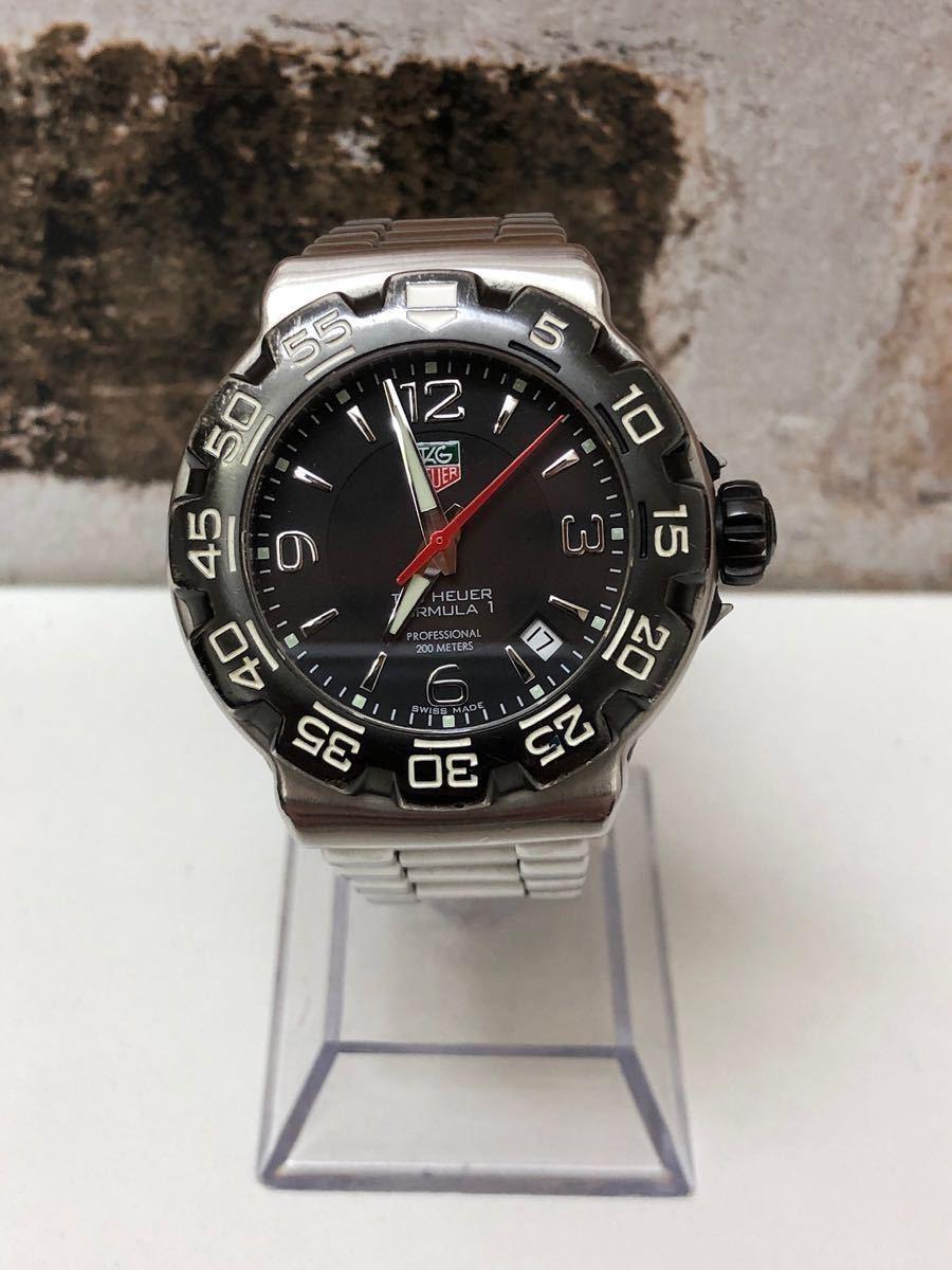 稼働品 タグホイヤー TAG HEUER クオーツ時計 フォーミュラー1 ブラック WAC1110-0 余りコマ 純正箱 革ベルト付 消費税加算なし_画像2