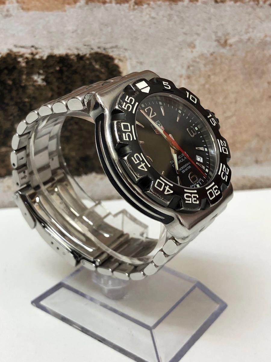 稼働品 タグホイヤー TAG HEUER クオーツ時計 フォーミュラー1 ブラック WAC1110-0 余りコマ 純正箱 革ベルト付 消費税加算なし_画像4