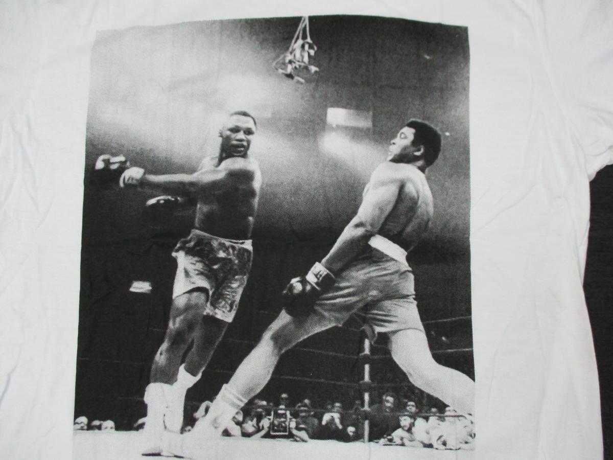 新品 ボクシングTシャツ 白 ホワイト Lサイズ モハメド・アリ vs ジョー・フレージャー 世紀の名勝負 元統一世界ヘビー級チャンピオン_画像2