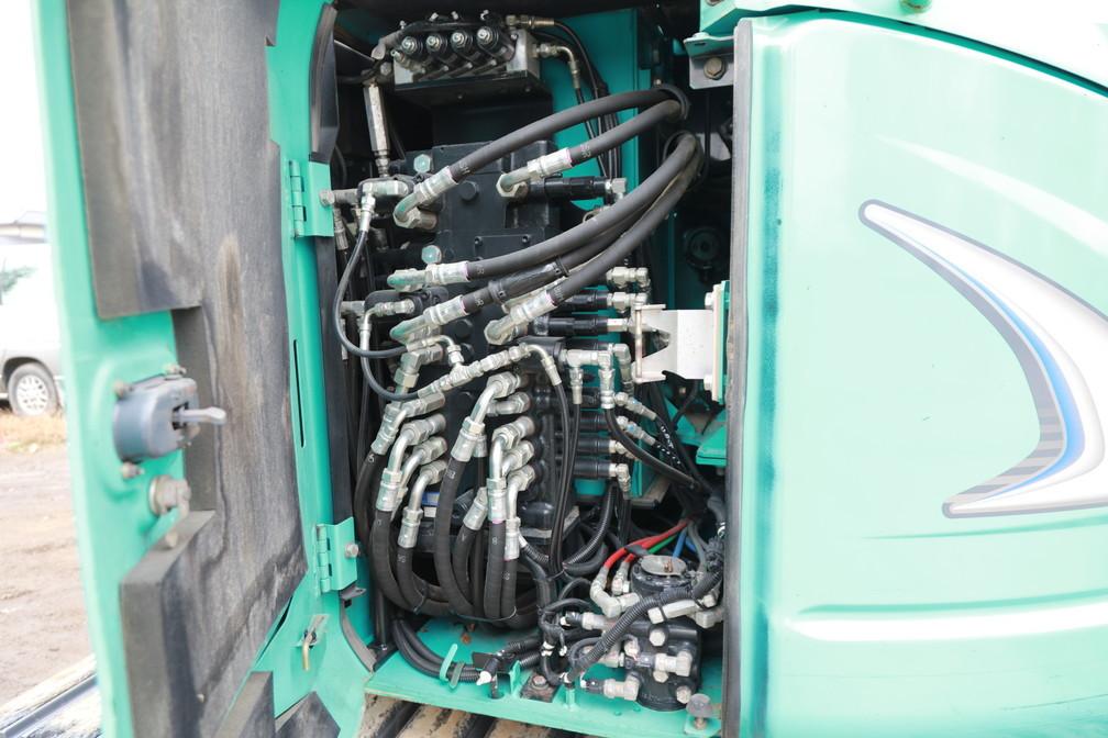 2012年製 コベルコ SK75UR-5 超低騒音型 0.25m3 7トン油圧ショベル 移動式クレーン仕様 マルチレバー付 キャビン エアコン_画像5