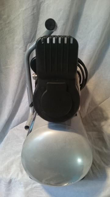 稼働品 10L オイルレス エアコンプレッサー ACP-190KD 静音タイプ エアーツール DIY_画像4