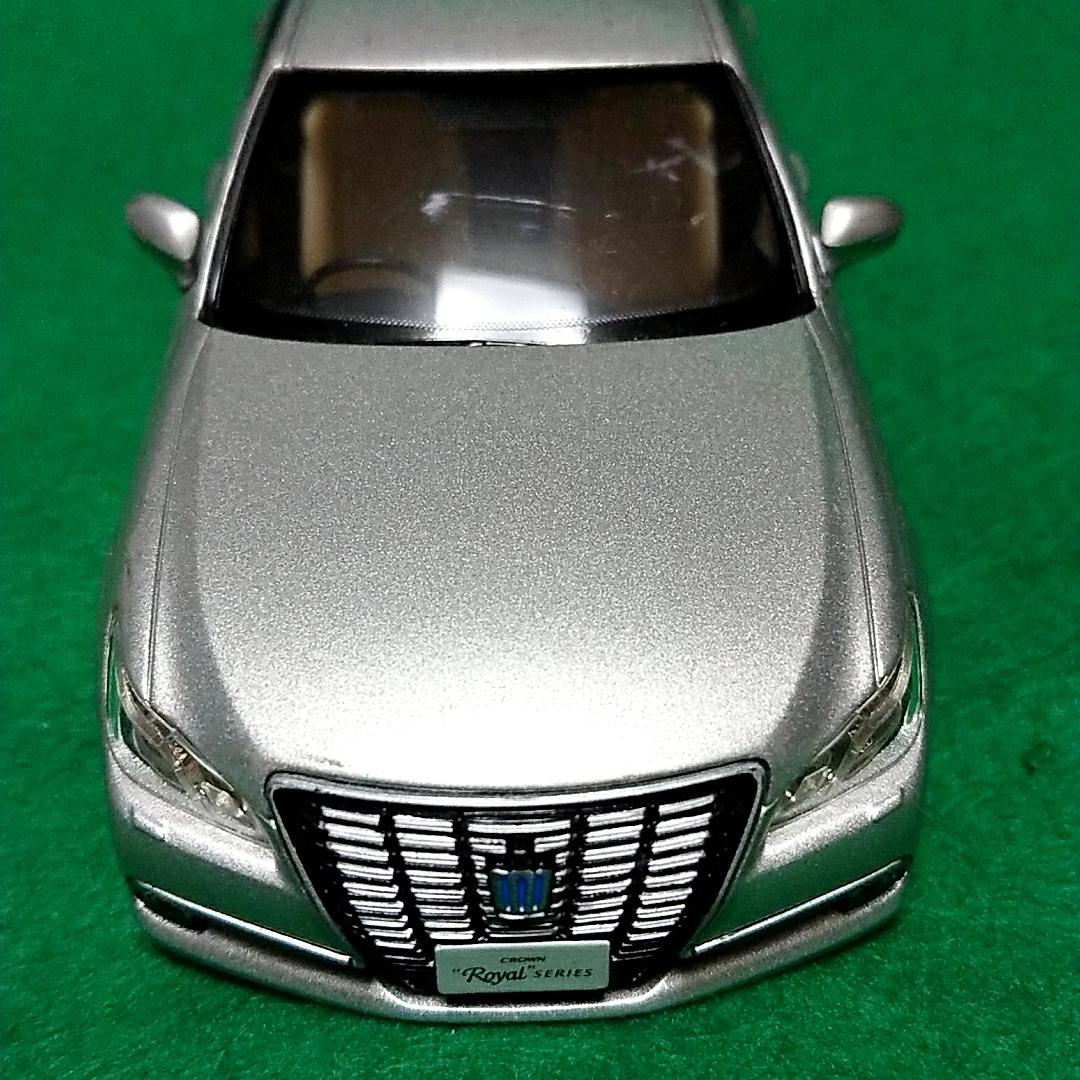 トヨタ クラウンロイヤルサルーン 非売品 カラーサンプル プレシャスシルバー_画像6