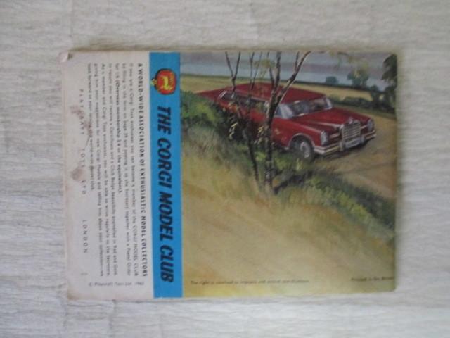 コーギー ミニカー カタログ 39ページ 1966年度版 経年劣化による傷みあります。 _画像2