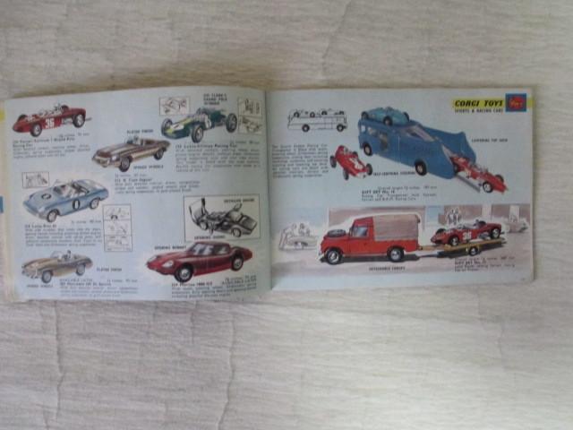 コーギー ミニカー カタログ 39ページ 1966年度版 経年劣化による傷みあります。 _画像5