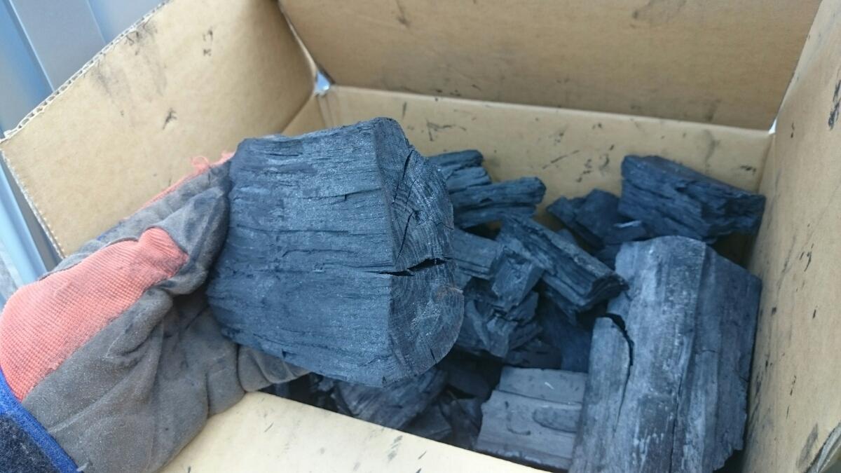 広島県産の炭(送料込)_画像4