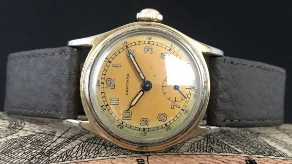 ☆ブルースチール針が美しい☆【BERTMAR☆ミリタリー】スモールセコンド ヴィンテージ アンティーク 手巻き メンズ腕時計_画像4
