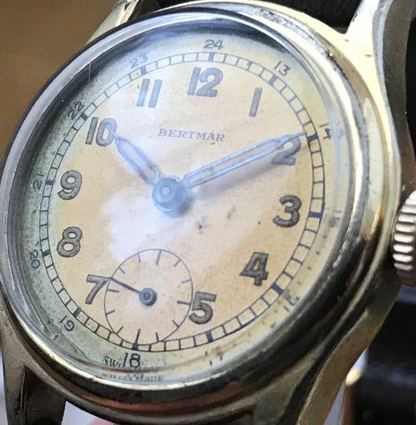 ☆ブルースチール針が美しい☆【BERTMAR☆ミリタリー】スモールセコンド ヴィンテージ アンティーク 手巻き メンズ腕時計_画像5