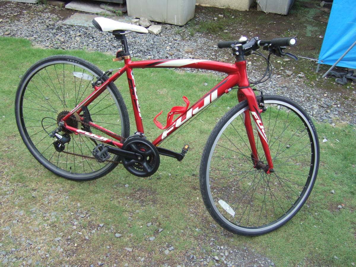 SATU58 FUJI フジ SPARROW スパロウ  サイズM 自転車 クロスバイク 28-622 700C×28 ワイン 引取り限定_画像1