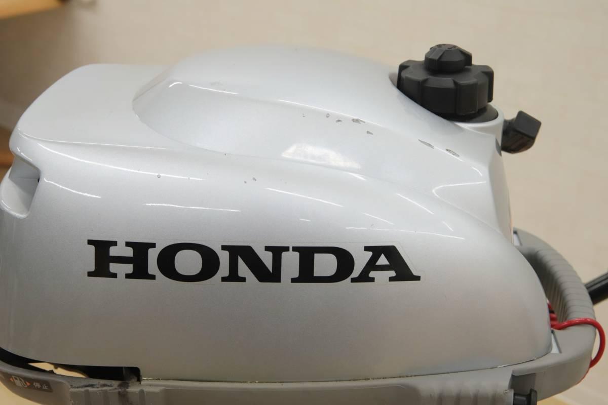 D L06101 HONDA ホンダ 小型船舶用 船外機 2馬力 4ストローク トランサムS ドーリー付き BZBF 2014年2月製造 直接引き取りのみ m_画像3