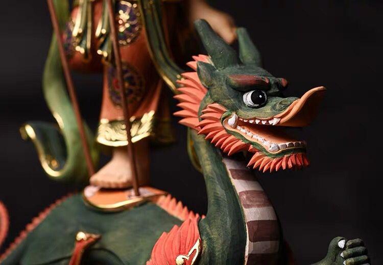 木彫珍品◆北辰妙見菩薩 仏教古美術品 檜木精彫細工 24K金箔 総高:33cm 総幅:23cm 総厚:13cm 仏像本体の高さ:19cm _画像7
