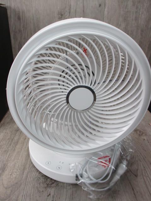 未使用  3Dターボサーキュレーター EFT-1705  扇風機 夏冬兼用 洗濯屋内干し 白 ホワイト_画像2