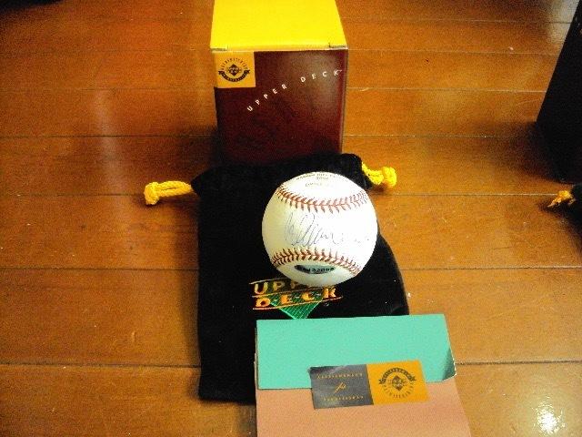 レア!ICHIROイチロー 記念サイン入りボール 2004!