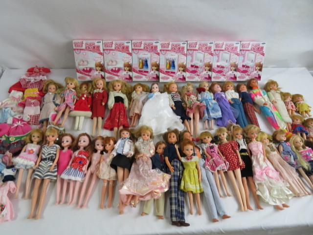 C190614 ☆★ 昭和 懐かしい リカちゃん人形 洋服 小さな白い家具 など 色々おまとめ ★☆