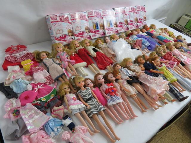 C190614 ☆★ 昭和 懐かしい リカちゃん人形 洋服 小さな白い家具 など 色々おまとめ ★☆ _画像3