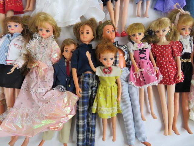 C190614 ☆★ 昭和 懐かしい リカちゃん人形 洋服 小さな白い家具 など 色々おまとめ ★☆ _画像9