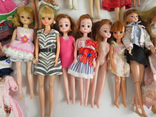 C190614 ☆★ 昭和 懐かしい リカちゃん人形 洋服 小さな白い家具 など 色々おまとめ ★☆ _画像8