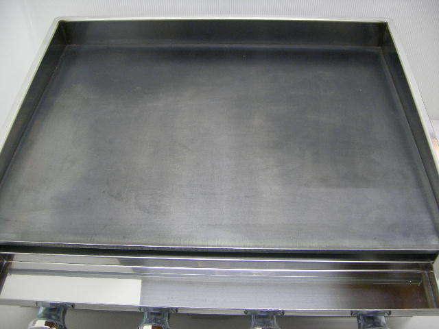 03-1161 新品 下野金属 AKS 鉄板焼器 AK-1 都市ガス グリラー グリドル 鉄板焼き器 業務用 お好み焼き 卓上ガスコンロ 610×460×180_画像2