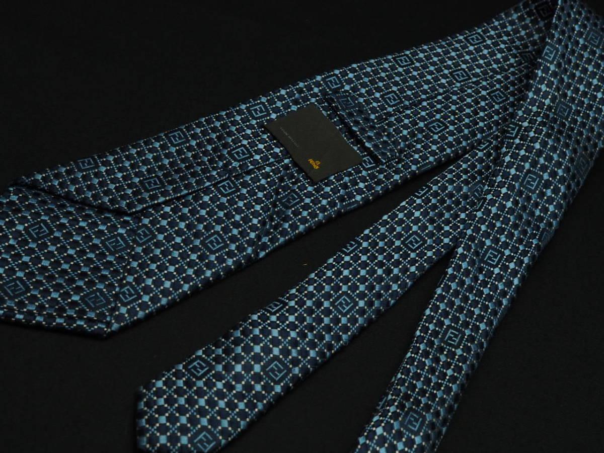 美品 FENDI フェンディ ITALY イタリア製 【ネイビー FFロゴ 水色 ホワイト】ネクタイ USED オールド ブランド シルク_画像3