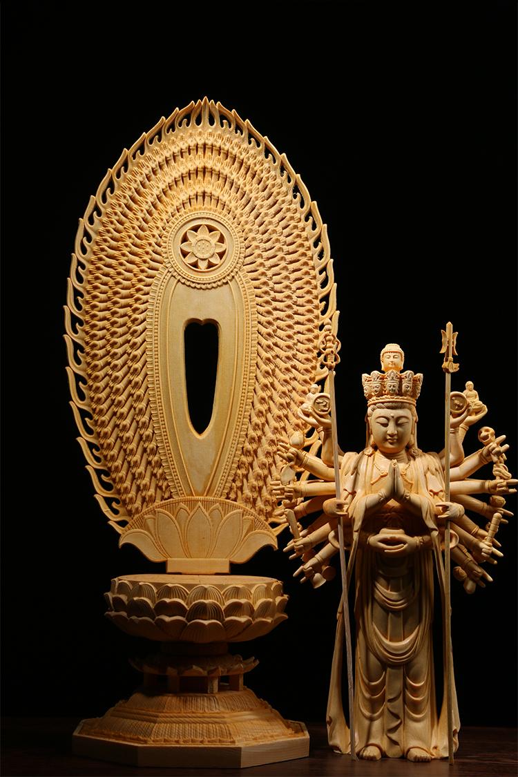 極上質 貴重供養品 仏教美術 黄楊木精密細工 千手観音菩薩像 大師彫刻 高さ42cm 厚14.5cm 幅18.5cm _画像7