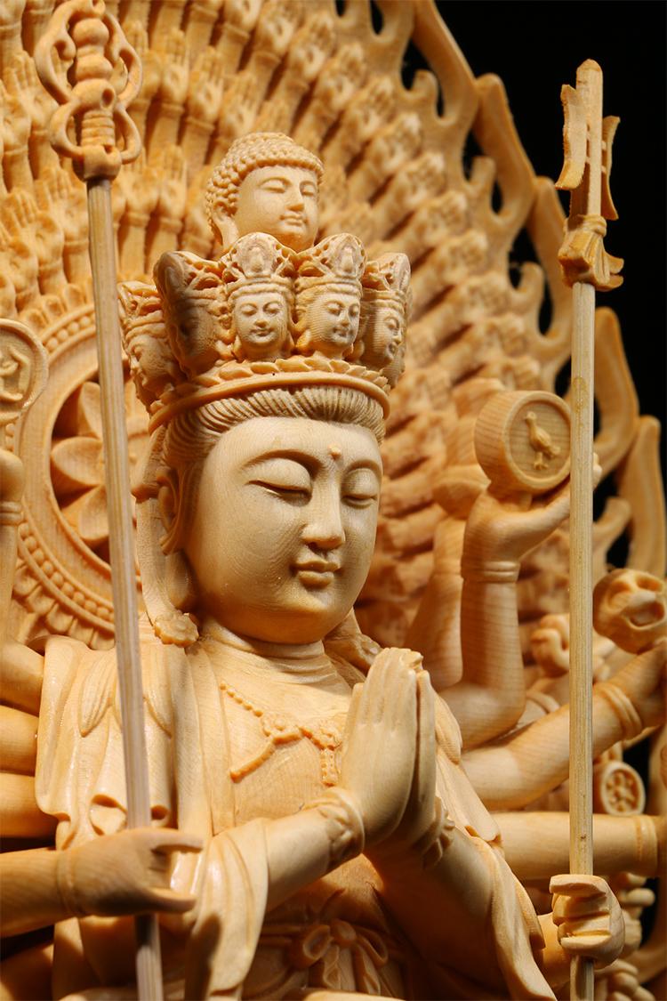 極上質 貴重供養品 仏教美術 黄楊木精密細工 千手観音菩薩像 大師彫刻 高さ42cm 厚14.5cm 幅18.5cm _画像2