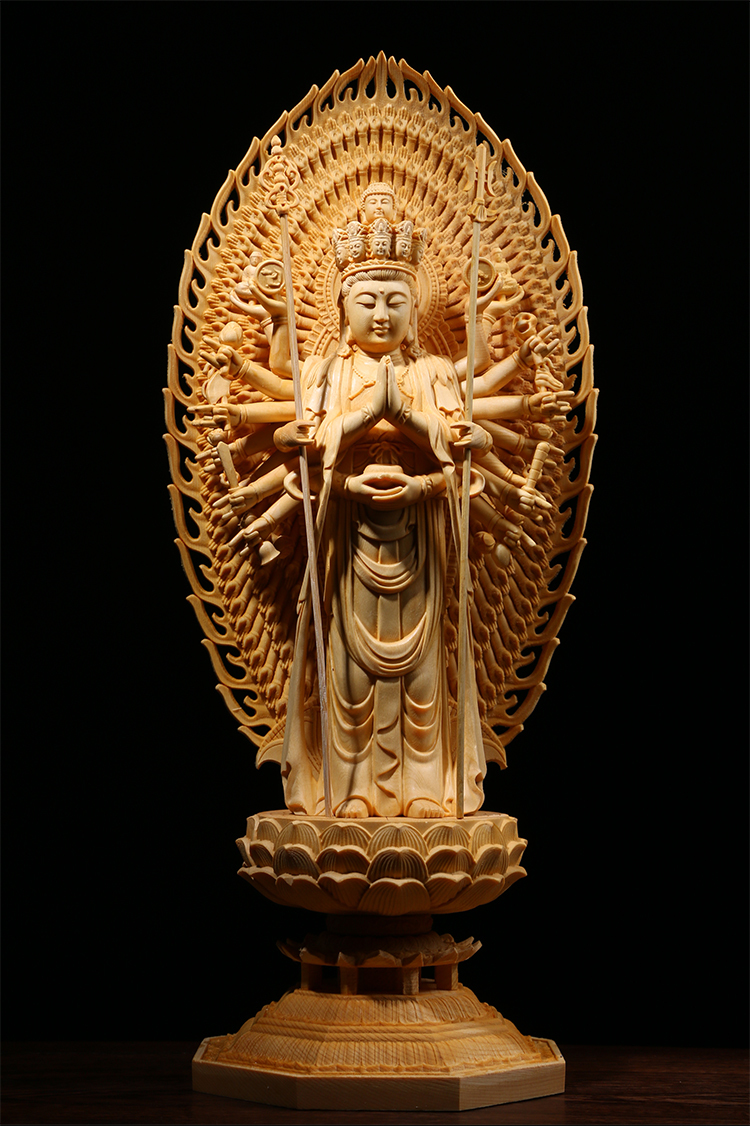 極上質 貴重供養品 仏教美術 黄楊木精密細工 千手観音菩薩像 大師彫刻 高さ42cm 厚14.5cm 幅18.5cm