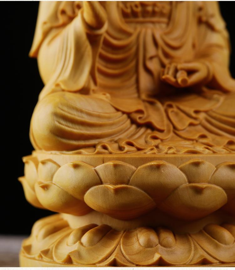 極上質 貴重供養品 仏教美術 黄楊木精密細工 観音菩薩像 大師彫刻 高さ10cm 厚6cm 幅6cm _画像2
