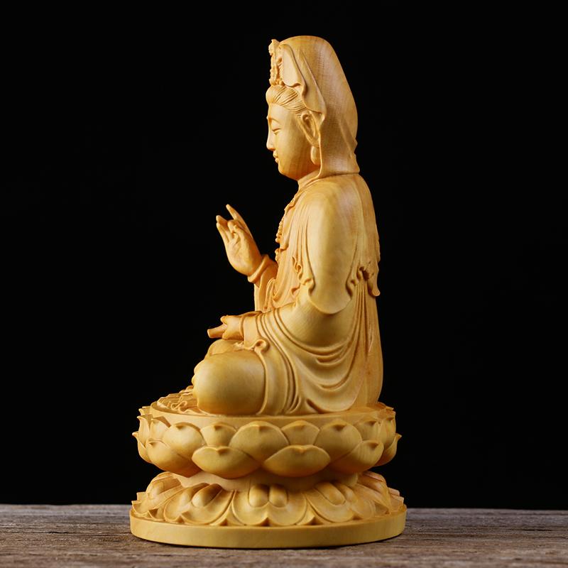 極上質 貴重供養品 仏教美術 黄楊木精密細工 観音菩薩像 大師彫刻 高さ10cm 厚6cm 幅6cm _画像3