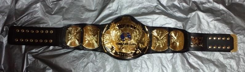 超希少!本物をあなたに WWF 公式 オフィシャル 世界 チャンピオンベルト ウィングドイーグル 80年代 ハルク・ホーガン時代のベルト。_全長約126cm