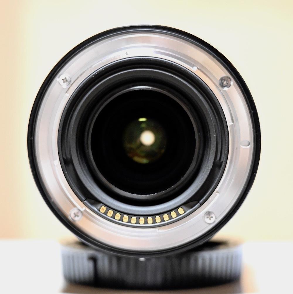Nikon ミラーレス一眼用 ZOOMレンズ NIKKOR Z 24-70mm f/24 S 極美品 おまけ(保護フィルター)付きほぼ未使用_画像6