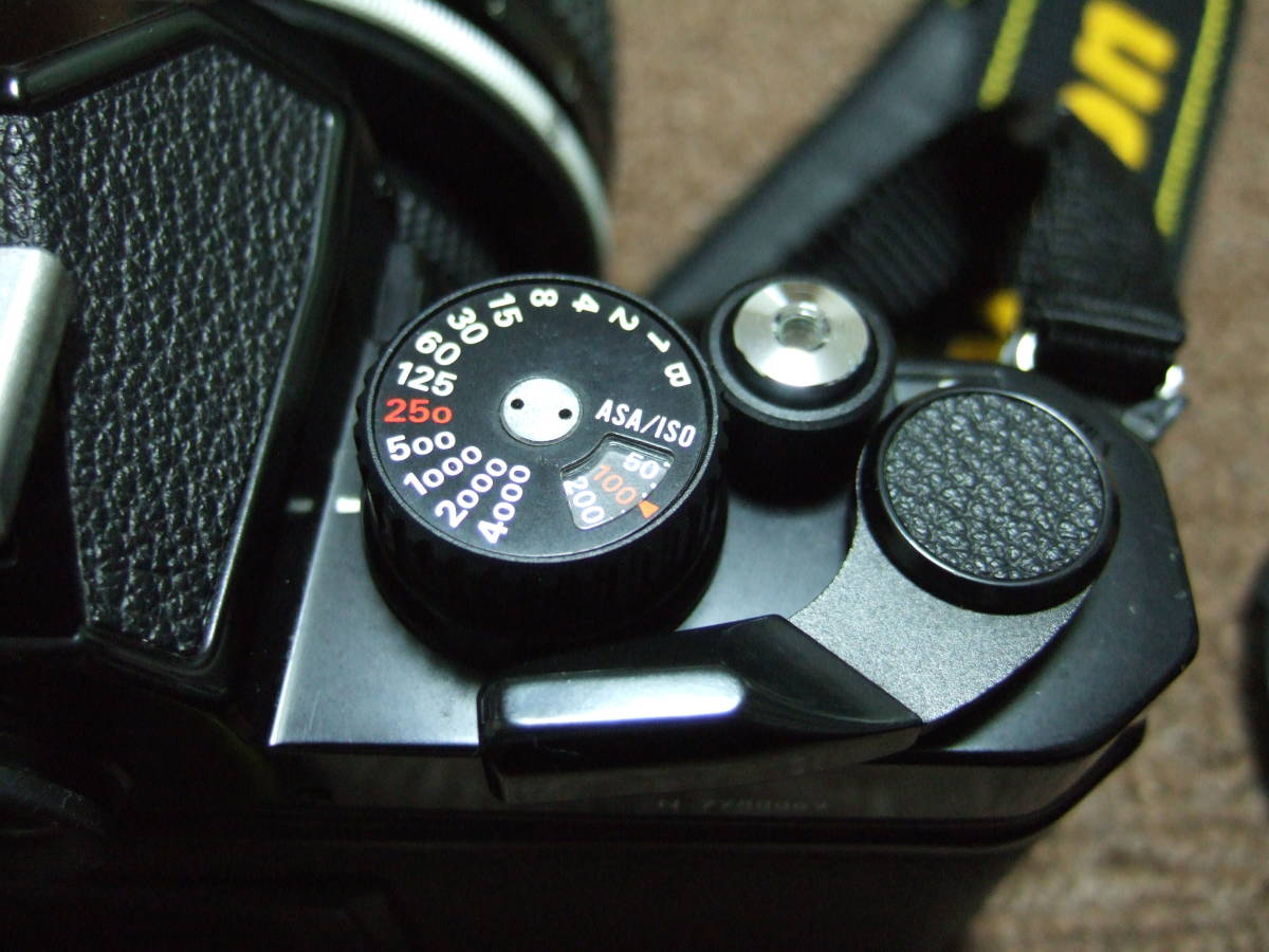 ニコン Nikon FM2ブラック + 85mm/F1.4 + 50mm/F1.4 中古品_画像9