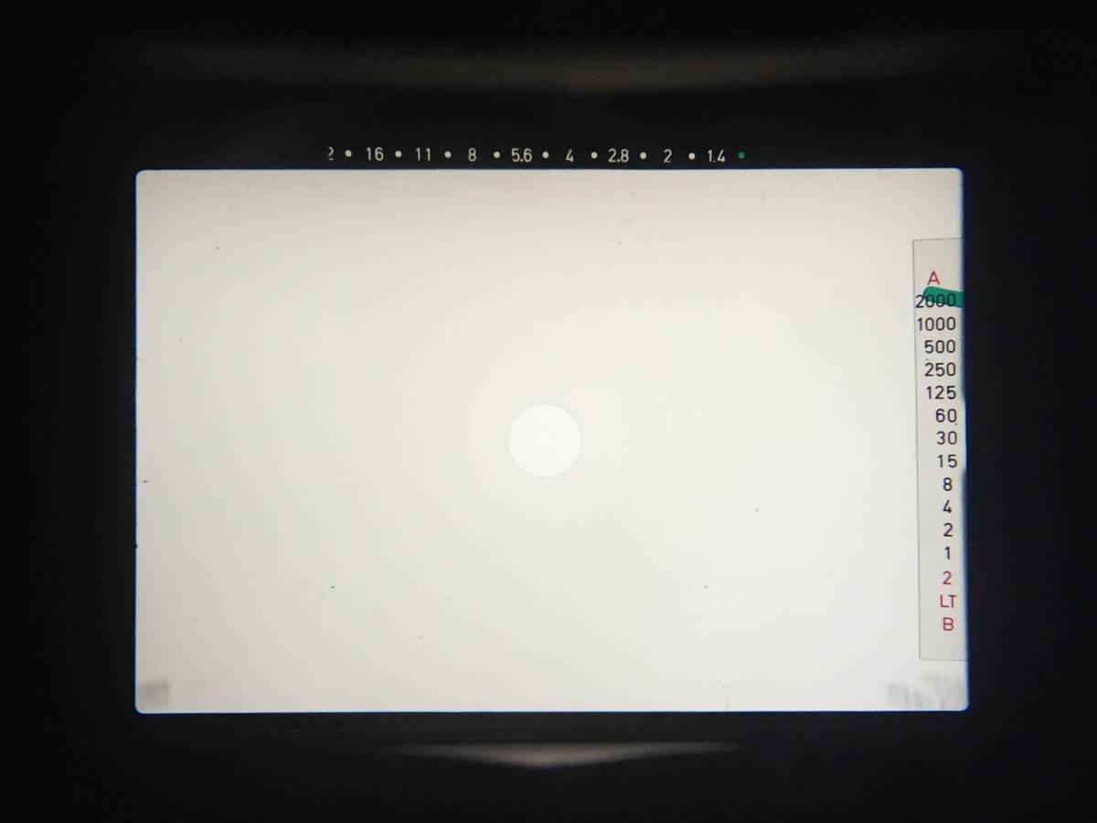 ファインダースクリーンを清掃しました。