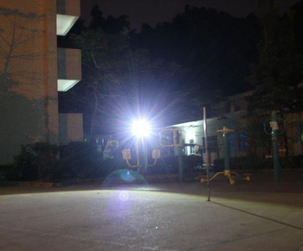 充電式 LED 投光器 50W/ワークライト 屋外照明 釣り フィッシング 作業灯 アウトドア ポータブル投光器 ライト ハンドライト 非常灯_画像5