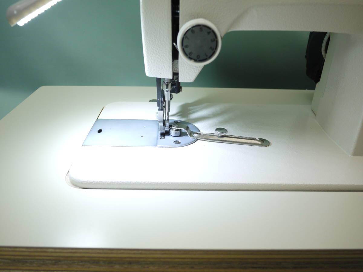 レザークラフターLC-PS ポータブル工業用ミシン 革/厚物縫い 直線モデル 超スロー縫い可能 _画像4