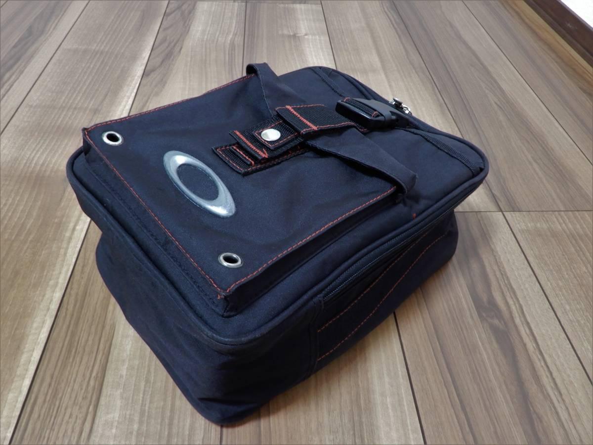中古 オークリー 即完売/入手困難品 シューズケース スニーカーバッグ ブラック/レッド 黒/赤 3Dアイコン ポケット付き