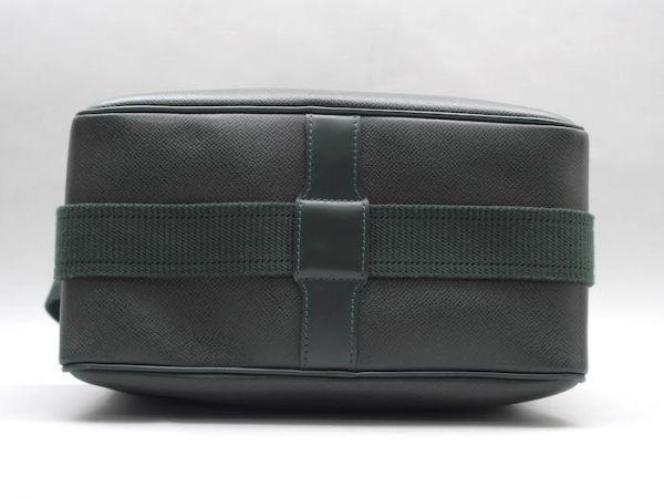 ■【ほぼ未使用】ルイヴィトン Louis Vuitton タイガ リポーターPM 斜め掛け ショルダーバッグ メンズ エピセア 鞄 かばん 定価約15万_画像4