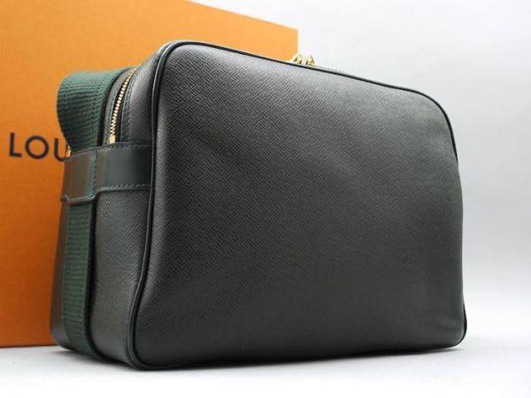 ■【ほぼ未使用】ルイヴィトン Louis Vuitton タイガ リポーターPM 斜め掛け ショルダーバッグ メンズ エピセア 鞄 かばん 定価約15万_画像2