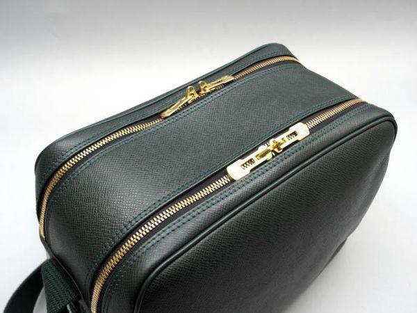 ■【ほぼ未使用】ルイヴィトン Louis Vuitton タイガ リポーターPM 斜め掛け ショルダーバッグ メンズ エピセア 鞄 かばん 定価約15万_画像3
