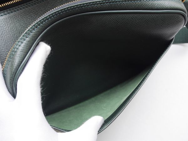 ■【ほぼ未使用】ルイヴィトン Louis Vuitton タイガ リポーターPM 斜め掛け ショルダーバッグ メンズ エピセア 鞄 かばん 定価約15万_画像8