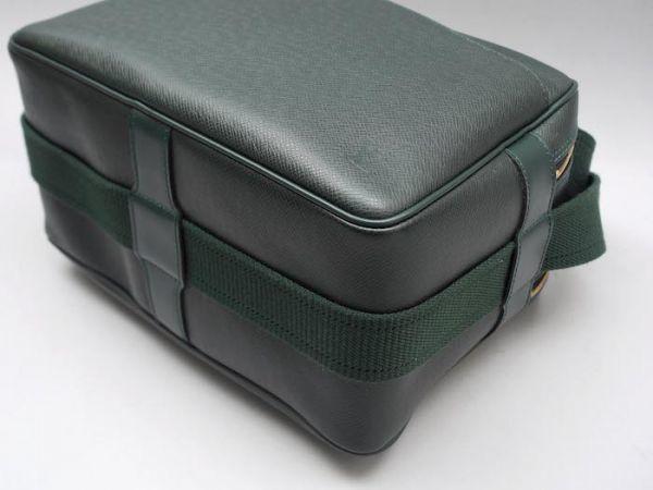 ■【ほぼ未使用】ルイヴィトン Louis Vuitton タイガ リポーターPM 斜め掛け ショルダーバッグ メンズ エピセア 鞄 かばん 定価約15万_画像6