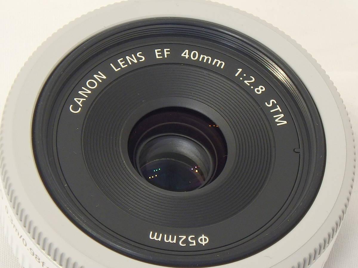 ☆ 白 Canon EF 40mm F2.8 STM White ホワイト キレイ すべてのEOSで使える「フルサイズ用レンズ」 限定バージョン Kiss M X7 X9 X10 白 ☆_画像2
