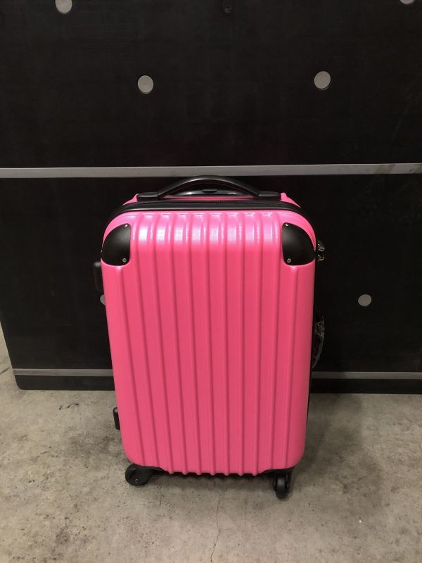 キャリーバッグ Mサイズ スーツケース トラベルハウス 4泊~7泊用 中型 Travelhouse TSAロック搭載(ローズ×ブラック)新品同様